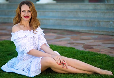 Reliable woman Ekaterina from Kherson (Ukraine), 32 yo, hair color dark brown