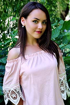 Extraordinary bride Natal'ya from Khmelnitsky (Ukraine), 24 yo, hair color dark brown