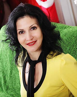 Reliable bride Alina from Khmelnitsky (Ukraine), 46 yo, hair color black