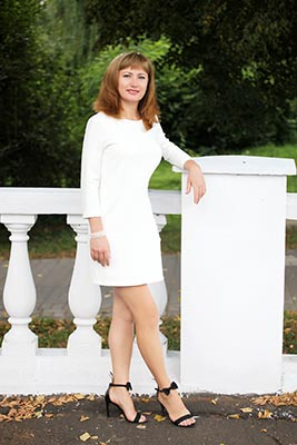 Wellread woman Alla from Khmelnitsky (Ukraine), 46 yo, hair color red-haired
