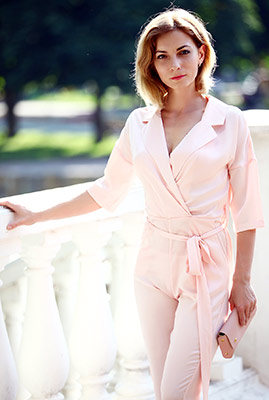 Cheerful lady Tat'yana from Khmelnitsky (Ukraine), 41 yo, hair color light brown