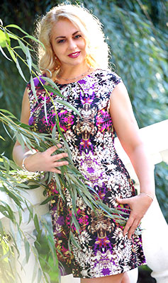 Feminine lady Irina from Khmelnitsky (Ukraine), 47 yo, hair color blonde