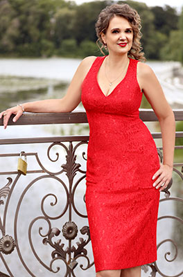 Decent lady Inna from Kiev (Ukraine), 54 yo, hair color dark brown
