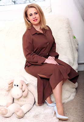 Single woman Vita from Khmelnitsky (Ukraine), 45 yo, hair color blonde