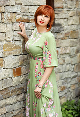 Affectionate bride Oksana from Khmelnitsky (Ukraine), 45 yo, hair color red-haired
