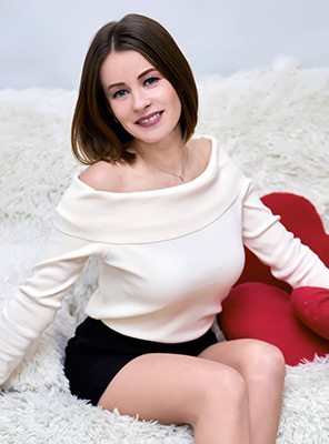 Spicy woman Yuliya from Khmelnitsky (Ukraine), 34 yo, hair color light brown
