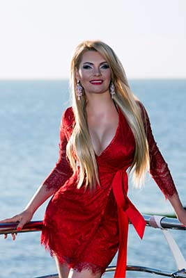 Passionate woman Alena from Odessa (Ukraine), 36 yo, hair color blonde