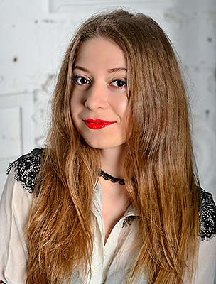 Sunny girl Elena from Kiev (Ukraine), 26 yo, hair color brown