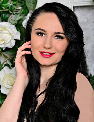 Friendly bride Ekaterina from Kiev (Ukraine), 26 yo, hair color black