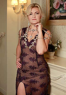 Mature lady Lyudmila from Vishnevoe (Ukraine), 41 yo, hair color blonde