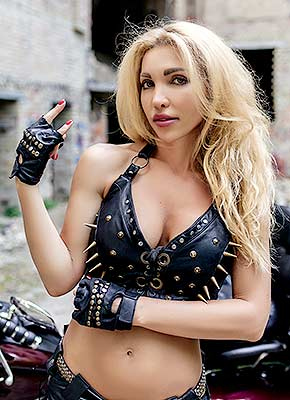 Wellbalanced woman Tat'yana from Kiev (Ukraine), 40 yo, hair color blonde