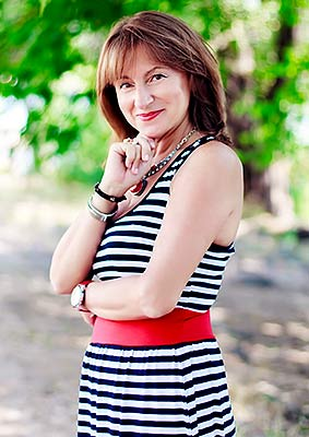 Cheerful woman Natal'ya from Kiev (Ukraine), 60 yo, hair color chestnut