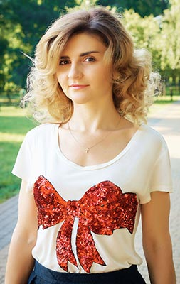 Rational lady Viktoriya from Kiev (Ukraine), 42 yo, hair color light brown