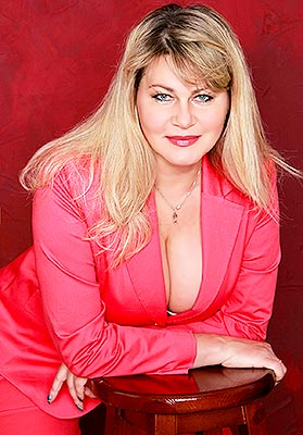 Purposeful woman Irina from Kiev (Ukraine), 51 yo, hair color blonde