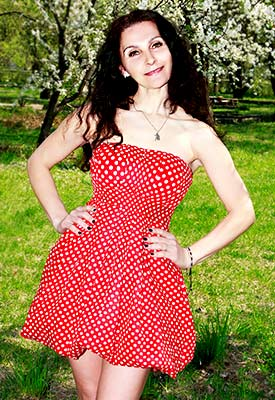 Gentle lady Liliya from Kiev (Ukraine), 48 yo, hair color chestnut