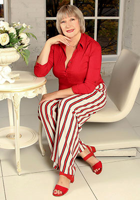 Cheerful bride Elena from Kropyvnytskyi (Ukraine), 57 yo, hair color blonde
