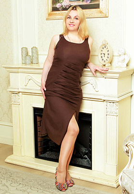 Sympathetic lady Galina from Priluki (Ukraine), 45 yo, hair color blonde