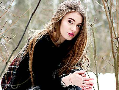 Cheerful bride Ol'ga from Kiev (Ukraine), 23 yo, hair color light brown
