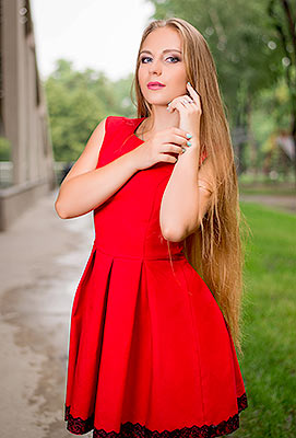 Passionate lady Ekaterina from Dnipro (Ukraine), 21 yo, hair color blonde