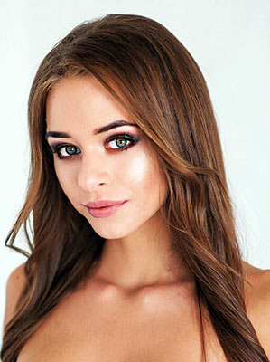 Changeable lady Polina from Kiev (Ukraine), 23 yo, hair color brown