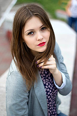 Emotional lady Alena from Kiev (Ukraine), 25 yo, hair color dark brown
