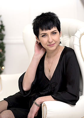 Super bride Ol'ga from Lugansk (Ukraine), 50 yo, hair color black