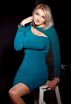 Sexy bride Viktoriya from Lugansk (Ukraine), 37 yo, hair color blonde