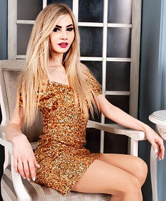 Opened woman Yana from Kiev (Ukraine), 32 yo, hair color blonde