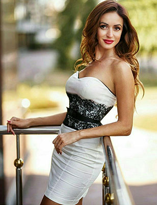 Serious bride Nataliya from Kiev (Ukraine), 39 yo, hair color dark brown