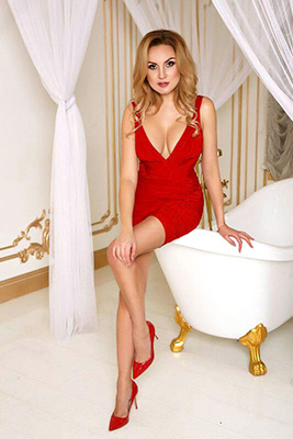 Compassionate lady Kseniya from Kiev (Ukraine), 38 yo, hair color blonde