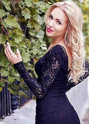 Friendly lady Viktoriya from Odessa (Ukraine), 29 yo, hair color blonde
