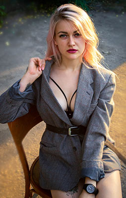 Purposeful lady Ekaterina from Nikolaev (Ukraine), 24 yo, hair color blonde