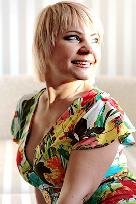 Family oriented lady Natal'ya from Kiev (Ukraine), 52 yo, hair color blonde