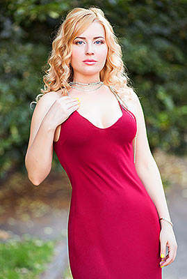 Cheerful bride Elena from Dnepropetrovsk (Ukraine), 38 yo, hair color blonde