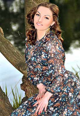 Artistic lady Svetlana from Kiev (Ukraine), 31 yo, hair color brown