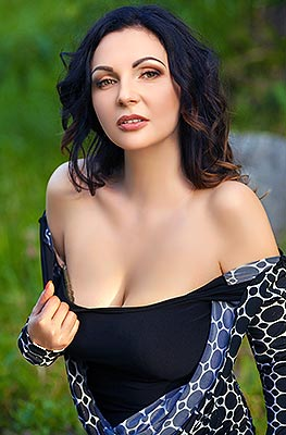 Serious lady Oksana from Dnepropetrovsk (Ukraine), 37 yo, hair color chestnut