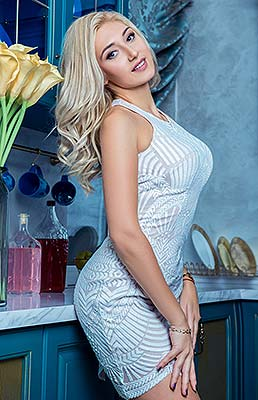 Young lady Anna from Kiev (Ukraine), 29 yo, hair color blonde