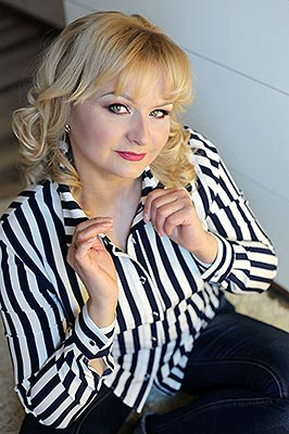 Tender woman Elena from Konstantinovka (Ukraine), 49 yo, hair color blonde