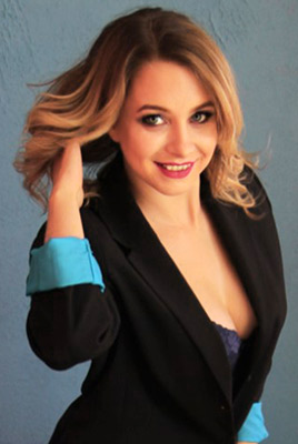 Talkative woman Irina from Donetsk (Ukraine), 31 yo, hair color blonde