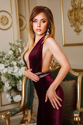 Gentle bride Aleksandra from Kiev (Ukraine), 31 yo, hair color light brown
