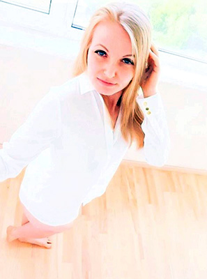 Kind lady Marina from Kiev (Ukraine), 36 yo, hair color blonde