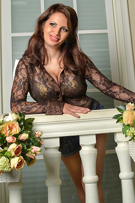 Serious wife Irina from Kiev (Ukraine), 42 yo, hair color brown-haired