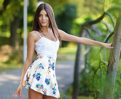 Wellmannered girl Yana from Kiev (Ukraine), 25 yo, hair color brunette