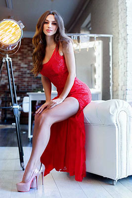 Realistic lady Oksana from Zaporozhye (Ukraine), 29 yo, hair color brunette