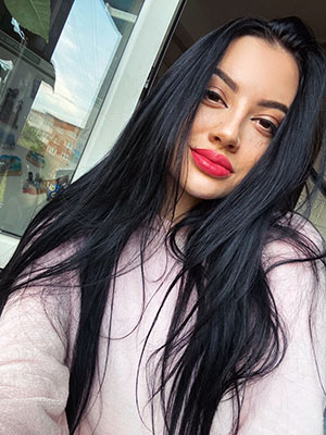 Sweet wife Anastasiya from Zaporozhye (Ukraine), 23 yo, hair color black