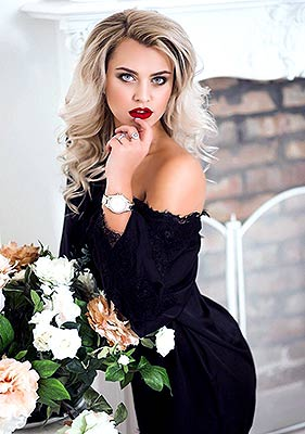 Sentimental lady Darina from Zhitomir (Ukraine), 25 yo, hair color blonde