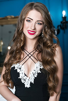 Clever girl Alina from Kiev (Ukraine), 21 yo, hair color dark brown