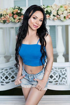 Kindhearted woman Aleksandra from Dnipro (Ukraine), 37 yo, hair color brunette