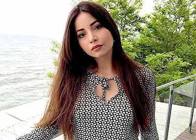 Lively lady Alina from Kiev (Ukraine), 25 yo, hair color chestnut