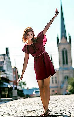 Kind bride Anastasiya from Lvov (Ukraine), 21 yo, hair color red-haired